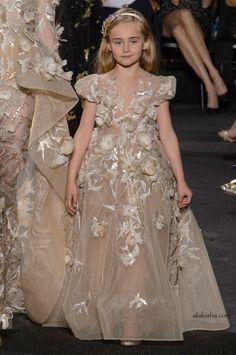 ALALOSHA: VOGUE ENFANTS: Elie Saab Haute Couture FW'17 for little Ladies