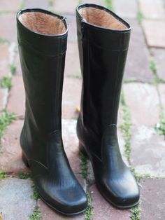 Vintage Black Waterproof Tall Rain Boots with Warm Tan Wool Blend Lining Size 7 Made in USA. $25.00, via Etsy.