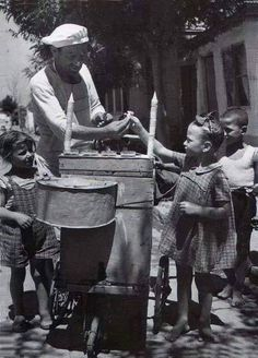Children in oldies Greece Photography, Vintage Photography, Street Photography, Old Pictures, Old Photos, Old Greek, Photographs Of People, Portraits, Ansel Adams