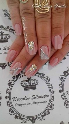 Think I'll try this for Christmas Glam Nails, Fancy Nails, Bling Nails, Nude Nails, Hot Nails, Acrylic Nails, Gorgeous Nails, Fabulous Nails, Pretty Nails