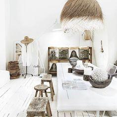 Paulina Arcklin (@paulinaarcklin) • Instagram photos and videos Italian Home, Spanish House, Scandinavian Style, Oversized Mirror, Retro Vintage, Dining Table, Rustic, Inspiration, Furniture