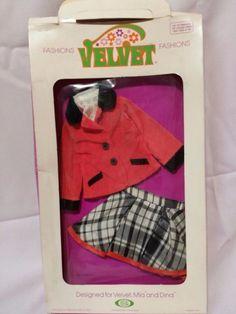IDEAL 1972 Velvet Mia Dina Fashions Outfits  No. 8142-2 NRFP #IDEAL #CrissyFamilyVelvetDollFashion