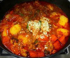 알토란 보고 배운 명품 닭볶음탕 만드는 방법 K Food, Food Menu, Korean Dishes, Korean Food, Chicken Lo Mein, Asian Recipes, Ethnic Recipes, Recipe Collection, Main Meals