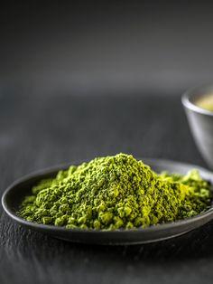 DIY-Gesichtspeeling aus grünem Tee und Honig, das ihr in zwei Minuten selber machen könnt!