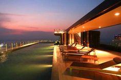 ลองดูที่พักยอดเยี่ยมนี้บน Airbnb: The Base condos central Pattaya - อพาร์ทเมนท์ ให้เช่า ใน เมืองพัทยา