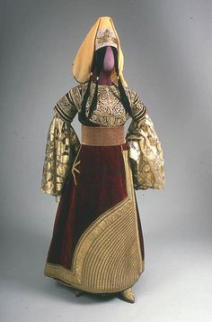 Moroccan Jewish wedding dress, 19/20th century by Center for Jewish History, NYC, via Flickr