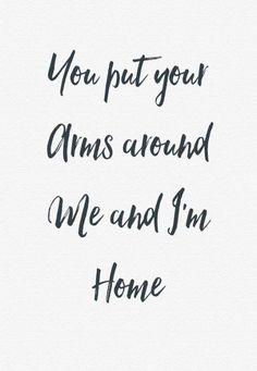 Solo contigo me siento en casa