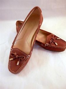 Anne-Klein Flex Moccasin Loafer, Almond Suede, Size 7.5. This adorable flats are perfect for fall. Pair with jeans for a casual sophisticated look :) http://www.ebay.com/itm/Anne-Klein-Flex-Moccasin-Loafer-Almond-Suede-Leather-Size-7-5-M-Womens-/161418988667?pt=US_Women_s_Shoes&hash=item2595524c7b #LadyLindasLoft #eBay #Shoes #AnneKlein