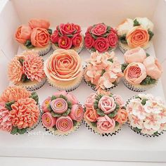 Cupcakes too gorgeous to eat! Can we have our cupcakes and eat them too? Cupcakes Flores, Flower Cupcakes, Cute Cupcakes, Wedding Cupcakes, Cupcake Cookies, Decorated Cupcakes, Rose Cupcake, Spring Cupcakes, Cupcakes Design