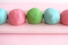 Playdough No Cook Play Dough WITHOUT boiling water. Students could help make this one.No Cook Play Dough WITHOUT boiling water. Students could help make this one. Easy Playdough Recipe, Cooked Playdough, Playdough Slime, Easy Diy Crafts, Diy Crafts For Kids, Craft Ideas, Simple Crafts, Summer Crafts, Fall Crafts