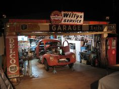 Glad to see they're still people that love the past like me. Someday I hope to have a garage this cool! Old Garage, Garage Tools, Garage Shop, Garage Workshop, Garage Ideas, Garage Organization, Garage Storage, Organized Garage, Workshop Organization