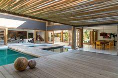 Elegant Nesta Casa Em Trancoso, Assinada Pelo Arquiteto David Bastos, Não Faltam  Motivos Para Torcer