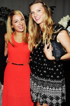 MAR 18 Vanessa Lengies & Heather Morris poses for photographers upon arriving at the GLEE 100th EPISODE CELEBRATION