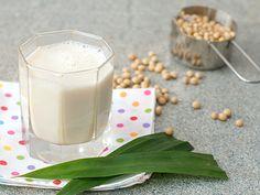 Cách làm sữa đậu nành bằng máy xay sinh tố | Chuyên đề ẩm thực | Cooky.vn