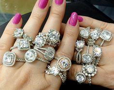 La elección del anillo de compromiso.