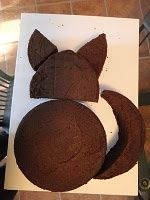 how to construct a cat cake from round cakes.. (looks like a fox).