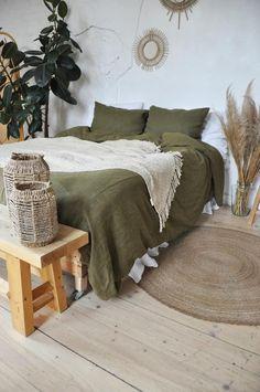 Earthy Bedroom, Bedroom Green, Room Ideas Bedroom, Aesthetic Bedroom, Home Bedroom, Bedroom Decor, Bedrooms, Bed Linen Sets, Linen Duvet