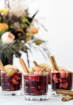 Apple Pie Sangria Recipe - Sugar and Charm - sweet recipes - entertaining tips - lifestyle inspiration