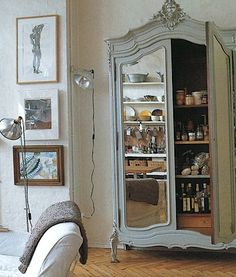 mirrored armoire Another one that I want.