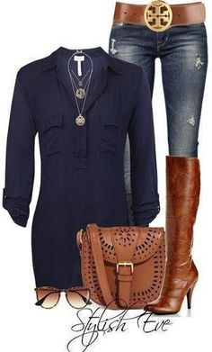 blue flowy top, dark denim skinny jeans, boots with a heels, brown belt, gold accessories.