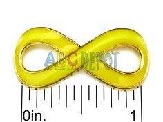 """#Conector en metral color oro """"Infinito"""" esmaltado con colores surtidos. 29x13x3mm. Bolsita con 2 unidades, Código:8G29M"""