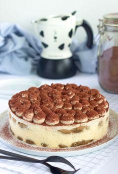 Tiramisu cheesecake – Máslová brioška Tiramisu Cheesecake, Easy Cheesecake Recipes, Pumpkin Cheesecake, Brownie Recipes, Italian Desserts, Sweet Desserts, Sweet Recipes, Delicious Desserts, Healthy Chocolate Chip Cookies