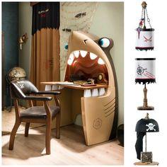 quien no querría hacer la tarea en este escritorio.... bueno... puede ser peligroso... o hacer volar la imaginación... igual lo quiero!!! :)