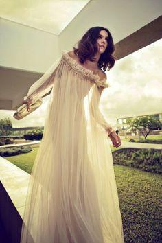 12 Luscious Long Sleeve Wedding Dresses for Autumn/Winter Brides | weddingsonline