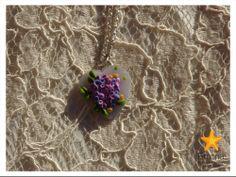 base a cuore e fiori in fimo con catenella argentata e chiusura a calamita