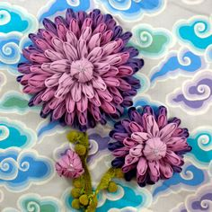 Fabric Flower Pattern Tutorial- Dinner Plate Dahlia Brooch © by La Todera