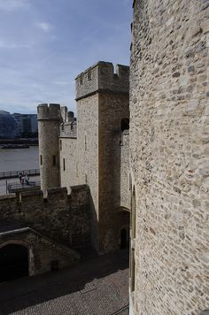 Wakefield Tower - Tower of London   <3