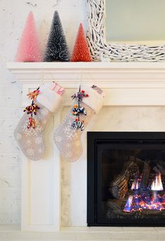 cool 48 Simple Christmas Decoration Ideas to Makes Your Home More Cozier  https://decoralink.com/2017/11/03/48-simple-christmas-decoration-ideas-makes-home-cozier/