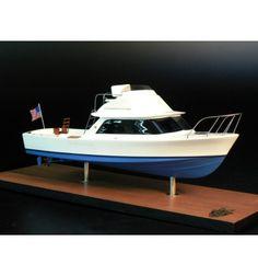 Bertram 31 Boat Model built by Abordage Bertram Boats, Bottom Paint, Sun Lounger, Sailing, Home And Garden, Gardens, Outdoor Decor, Bowrider, Miniatures