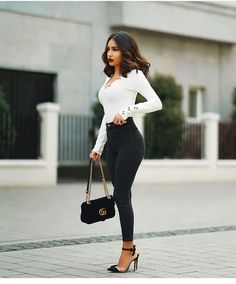 black women's fashion after 60 Black Women Fashion, Look Fashion, Girl Fashion, Fashion Outfits, Womens Fashion, Fashion Trends, Mode Outfits, Fall Outfits, Classy Outfits