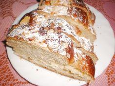 """Suroviny vložíme do domácí pekárny v pořadí, jak jsou uvedeny. Nastavíme si program """"těsto"""". Těsto je  krásně vláčné, hebounké a pěkně..."""