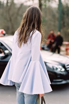 All about the sleeves Paris Fashion Week AW Fashion Week Paris, Fashion Weeks, Street Fashion, Winter Fashion, Street Style, Street Chic, Paris Street, Bell Sleeve Blouse, Bell Sleeves