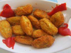 Ingredientes   600 g de bacalhau  1 kg de batatas  4 ovos  1 cebola média picada  1 ramo de salsa picada  pimenta q.b.    Preparação: ...