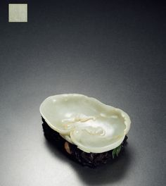 QING DYNASTY A WHITE JADE BRUSH WASHER WITH GANODERMA PATTERN AND 'QIA...-Ever Lasting Glory·Refined Articles in the Study- Official website for China Xiling Yinshe Auction Co., Ltd. (Site of Xiling Yinshe Auction)