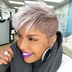 Today, we are addressing the topic of short haircut and we are looking at a series of 20 short-cut women's crop ideas centered around the pixie and the square. These two types of short haircut are among the most popular… Continue Reading → Short Shaved Hairstyles, Black Women Short Hairstyles, Short Grey Hair, Short Hair Cuts, Cool Hairstyles, Short Pixie, Gray Hair, Asymmetrical Pixie, Undercut Hairstyles