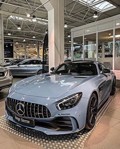 Fancy Cars, Cool Cars, Rich Cars, Lux Cars, Top Luxury Cars, Mercedes Car, Mercedes Benz Convertible, Pretty Cars, Car Goals