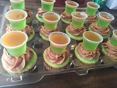 Caramel Apple Cupcakes with ciroc apple caramel jello shots Liquor Cupcakes, Drunken Cupcakes, Alcohol Infused Cupcakes, Alcoholic Cupcakes, Liquor Cake, Alcohol Cake, Alcoholic Desserts, Sweet Cupcakes, Caramel Apple Cupcakes