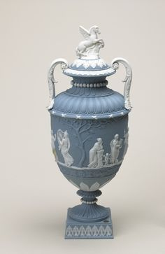 Wedgwood vase at the Lady Lever Art Gallery Wedgwood Pottery, Ceramic Pottery, Lady Lever Art Gallery, Wedgewood China, Winged Horse, English Decor, Urn Vase, Vases Decor, Pegasus