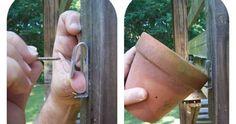 Pequenos ganchos ( como estes ) para pendurar vasos em todo o lado! via hometalk ..................................................