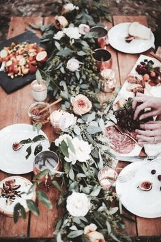 Picture this on your next dinner party table! Summer Table Decorating Ideas with floral and green garland. Super chic and beautiful! I'd be happy to design this for your next party, ask me how! Outdoor Table Settings, Outdoor Dining, Dining Table, Patio Table, Outdoor Dinner Parties, Garden Parties, Outdoor Party Decor, Picnic Parties, Outdoor Entertaining