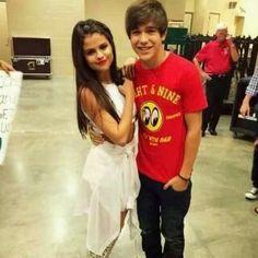 Ariana grande randevú az austin mahone