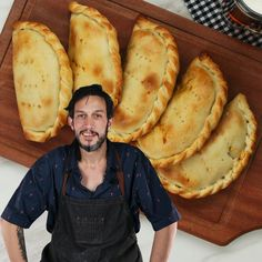 Discover recipes, home ideas, style inspiration and other ideas to try. Empanadas Argentinas Recipe, Argentina Food, Argentina Recipes, Beef Empanadas, Mexican Empanadas, Breakfast And Brunch, Tasty, Yummy Food, Latin Food