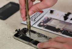 Preemo Adds iPhone Repair & iPad Repair To Extensive List of Support Services Cell Phone Store, Buy Cell Phones, Cheap Cell Phones, Cell Phone Wallet, Newest Cell Phones, Mobile Phones, Latest Phones, Tela Do Iphone 5, Iphone 5s