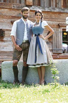 Passender Pärchen-Look für die Wiesn. Traditionelles Dirndl und Lederhose