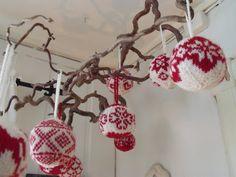 Filharmonicas kreative verden: Håndarbeidsåret 2011 Knit Crochet, Crochet Earrings, Knitting, Tricot, Crochet, Stricken, Knitwear, Crocheting, Weaving