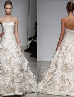 Bridal Gowns: Amsale Princess/Ball Gown Wedding Dress with Sweetheart Neckline and Basque Waist Waistline